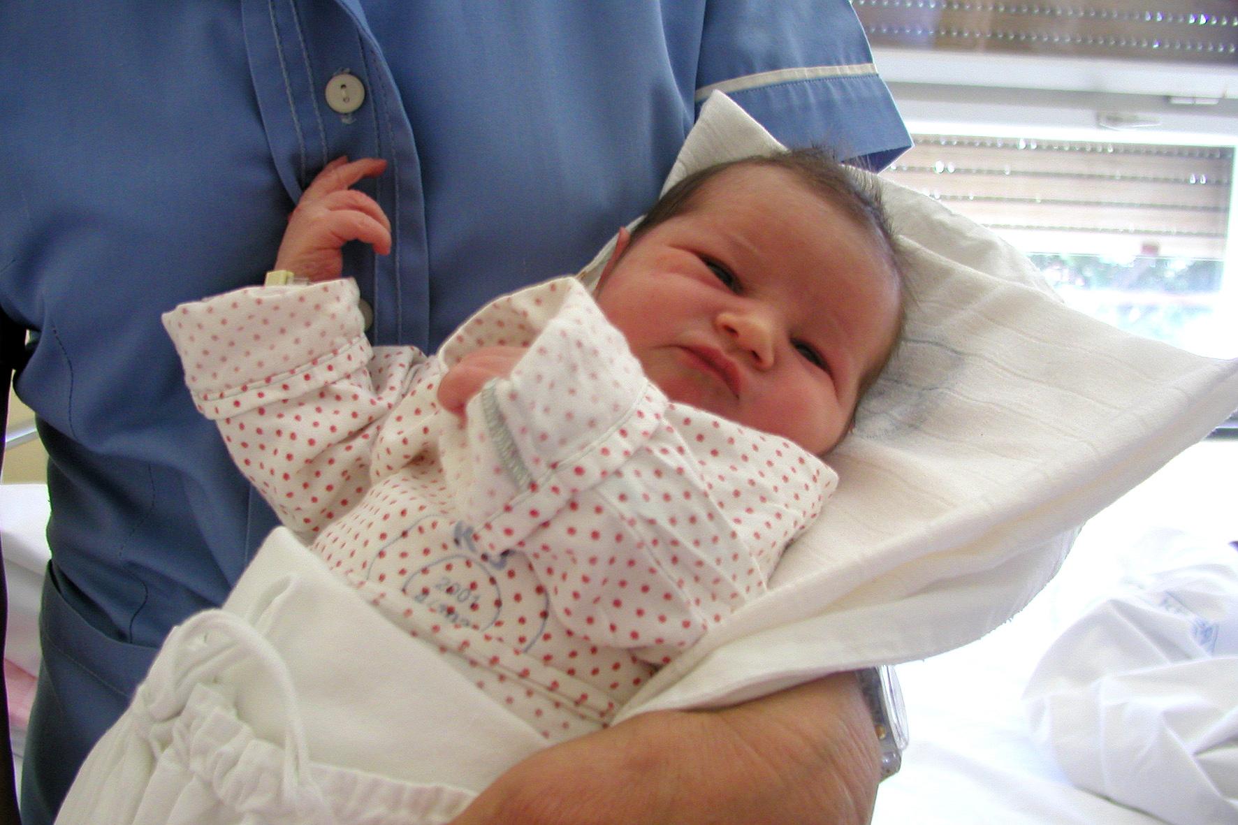 Yenidoğan bebek bakımında en çok merak edilenler